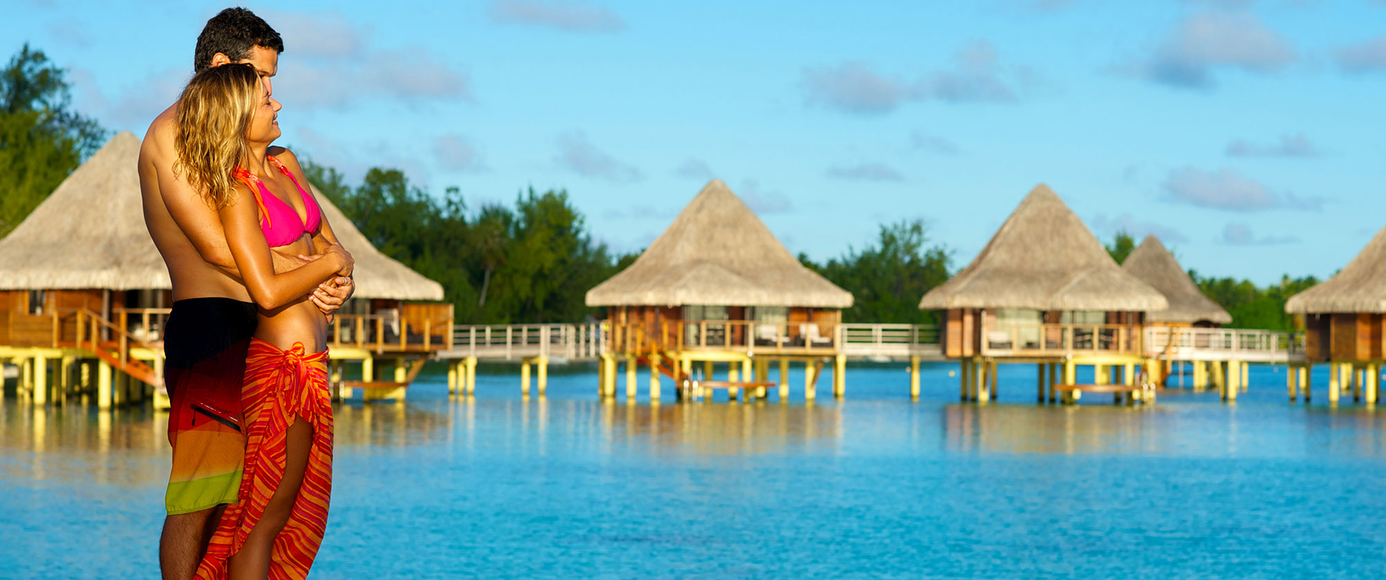 Romantic honeymoon packages romantic vacation Overwater bungalows fiji